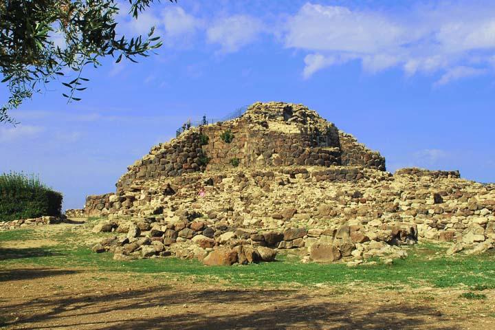 Viaggi Archeologici al Nuraghe di Barumini