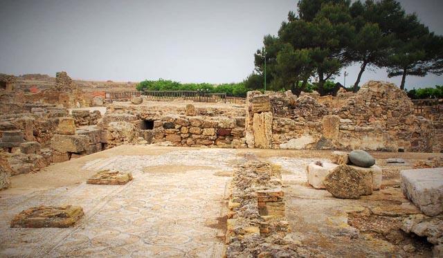 Viaggi archeologici alle rovine di Nora antichi mosaici romani